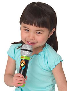 use usa- dia das crianças- microfone